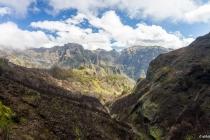 Blick von der Levada das Rabacas zum Pico Grande, Madeira, 02.03.2013 © by akkifoto.de