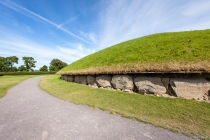 Neolithic Megabuildings, Knowth, County Meath, 17.07.2014 © by akkifoto.de