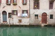 Wäsche über Wasser, Venedig, Italien, 07.04.2019 © by akkifoto.de